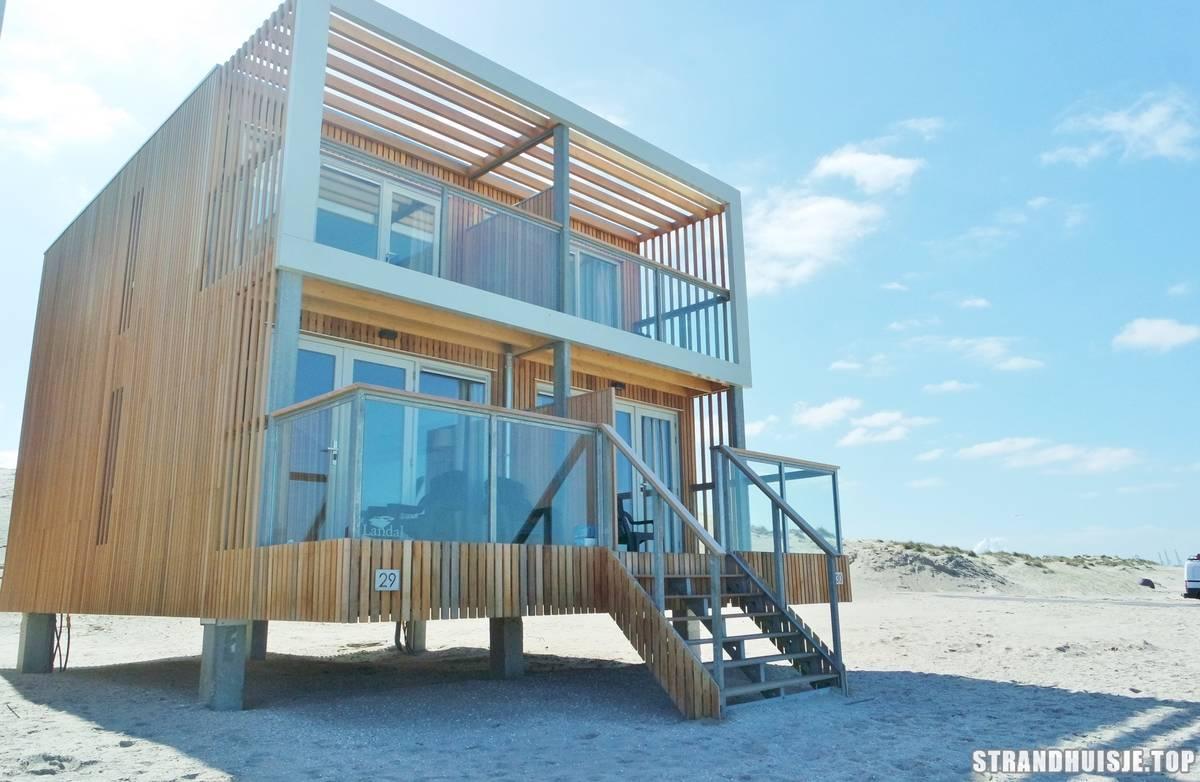 strandhaus hoek van holland strandhuisjes top10. Black Bedroom Furniture Sets. Home Design Ideas