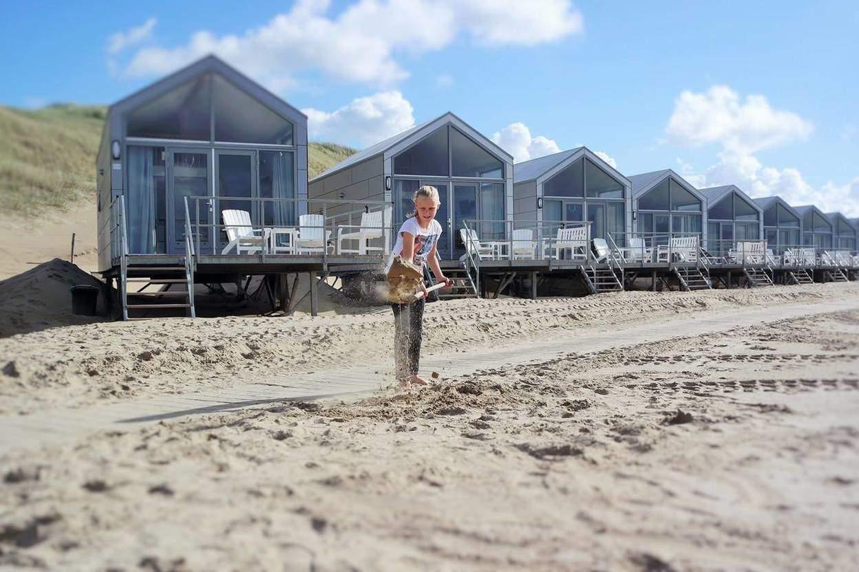 strandhuisje julianadorp strandhuisjes top 10 van nl 2017. Black Bedroom Furniture Sets. Home Design Ideas